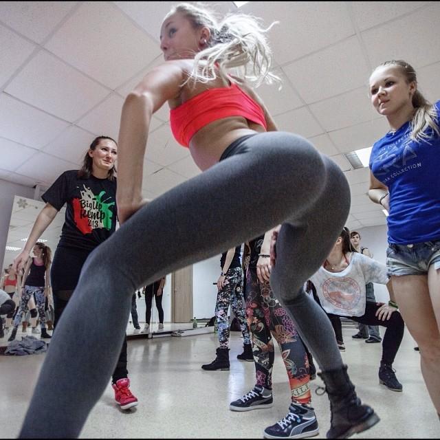 Categories Entertainment Tags Choreography Dance Elena Yatkina Fraules Russia Twerk Twerk Videos Twerking Permalink